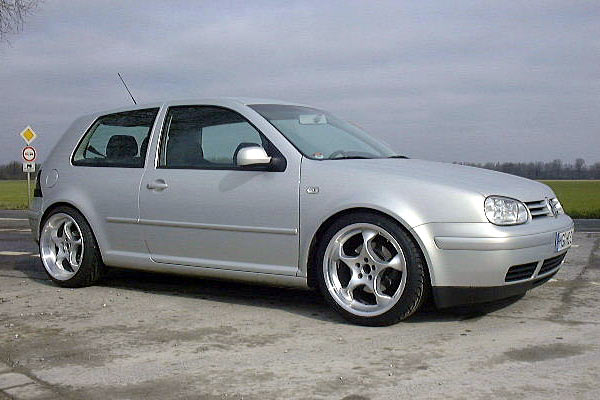 vw golf iv space 1 tlg 18 zoll vw bildergalerie. Black Bedroom Furniture Sets. Home Design Ideas