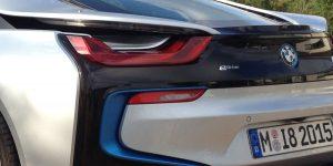 BMW I8 Fahrzeugheck in Silber