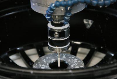 Die ET wird an das Fahrzeug angepasst. Ein Flansch der perfekt passt