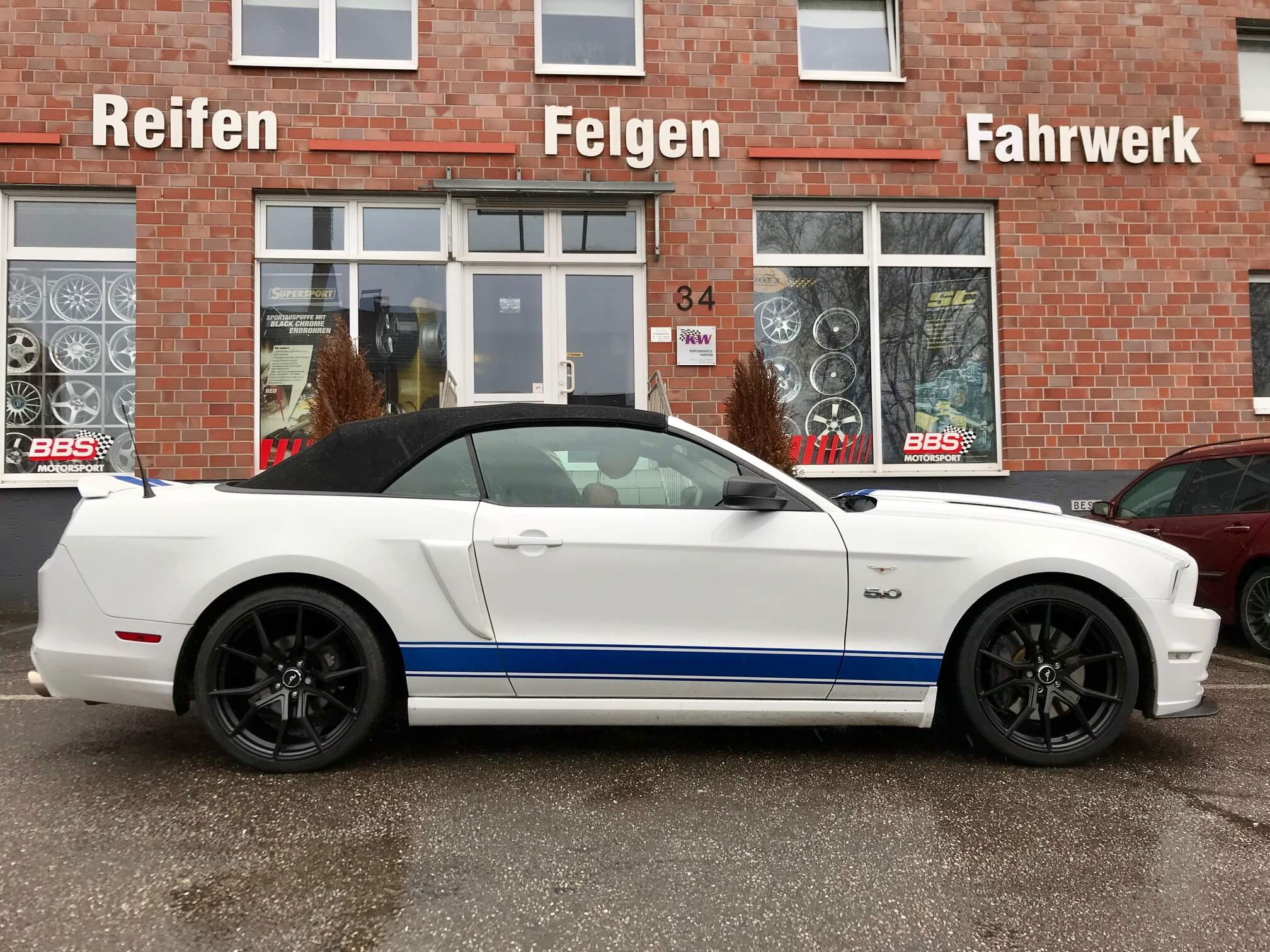 ford mustang s197 drago alufelgen by best cars and bikes. Black Bedroom Furniture Sets. Home Design Ideas